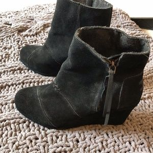 Tom's suede booties with zipper size 8